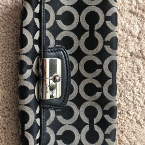 Coach signature fabric wristlet black/grey